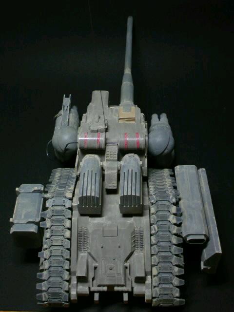 陸戦強襲型ガンタンク-突撃砲形態-上